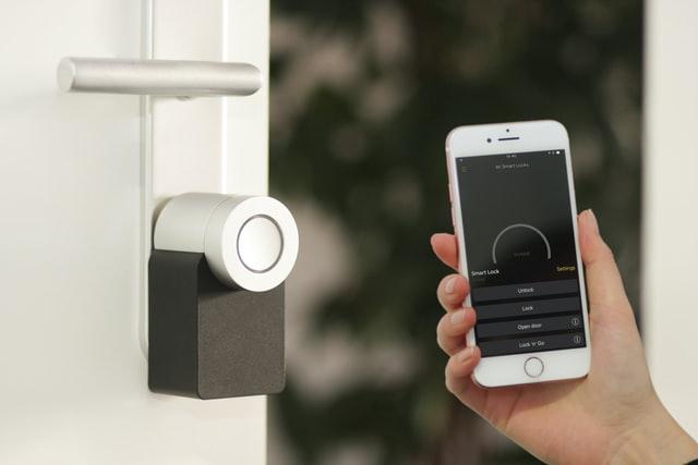 040520 Tech lock